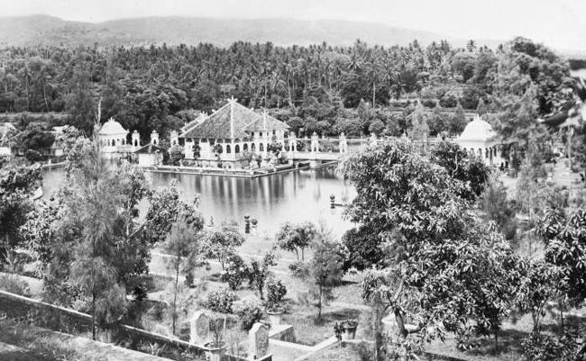 Foto taman Ujung sekitar tahun 1935